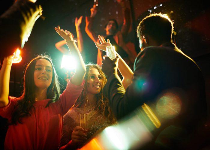 beautiful-girls-dancing-at-party-RBEQF53-min