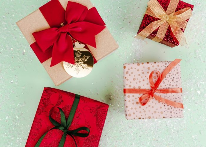 christmas-gift-ideas-D8RGQCE-min-1-1024x683-1.jpg