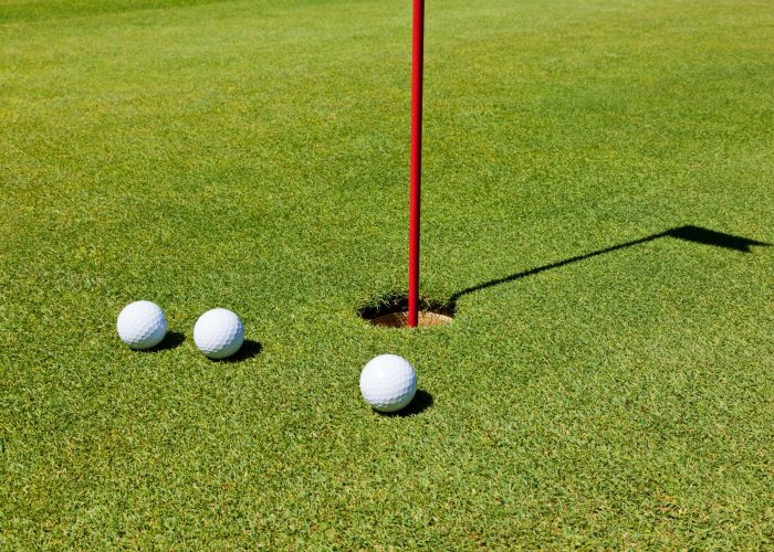 golf-putting-green-P7DP94F-min